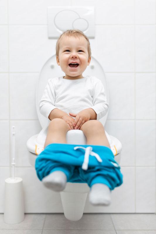cu-copilul-la-toaleta-publica